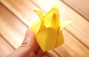 Бутон бумажного тюльпана своими руками