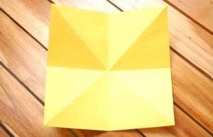 Делаем правельные изгибы для бумажного тюльпана