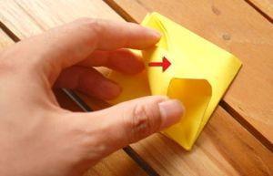 Заключающий этап в изготовлении тюльпана из бумаги