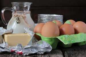 Приготовление омлета с молоком