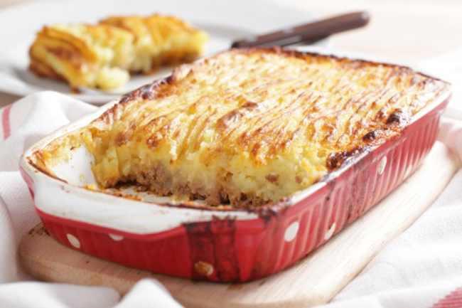 Вкусная картошка с фаршем в духовке