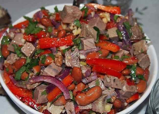Вкусный мясной салат - простой рецепт