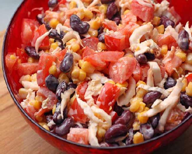 Готовим вкусный салат из красной фасоли с сухариками