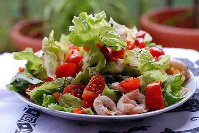Как приготовить салат коктейль из морепродуктов
