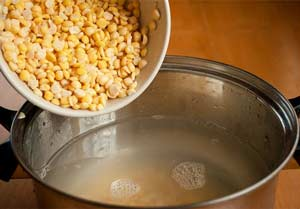 Готовим горох для супа с копченостями