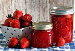 Какие ягоды выбрать для конфитюра из клубники