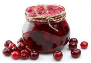 Варенье из вишни без косточки, хоть и очень вкусное, но требует прямо-таки титанических усилий для своего приготовления