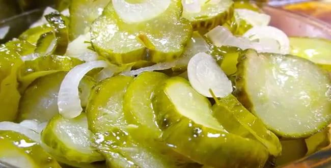 Салат из огурцов на зиму Пальчики оближешь: пошаговый рецепт