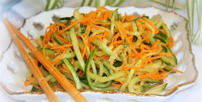 Салат из огурцов и моркови по-корейски на зиму: самый вкусный рецепт