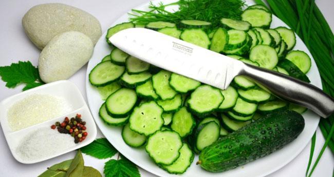 Выбор ингредиентов для салата Нежинский