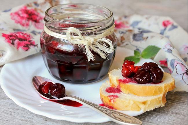 С чем кушать варенье из вишни без косточки