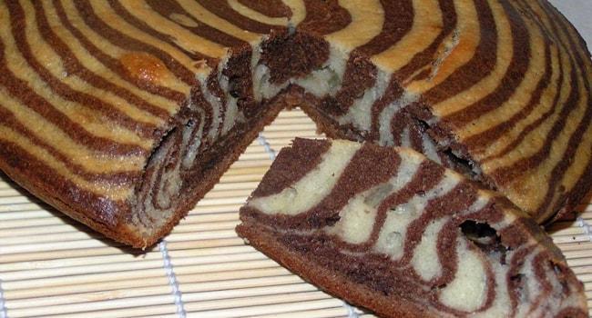 Такт выглядит готовый торт Зебра в мультиварке