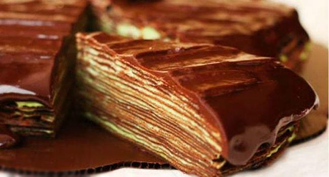 Так выглядит кофейный блиннвй торт с шоколадным кремом