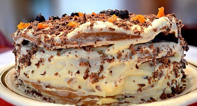 Торт Трухлявый пень с сухофруктами и вареньем