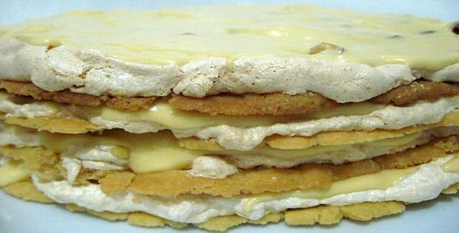 Пошаговый рецепт приготовления торта Королевский с безе