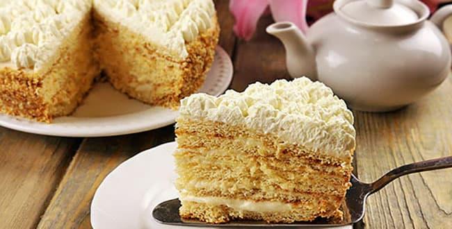 Пошаговый рецепт торта Молочная девочка со сметанным и творожным кремом