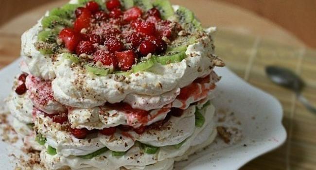 Торт из зефира и печенья без выпечки  зефирный пирог с фруками ...