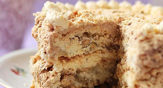 Так выглядит Королевский торт с безе