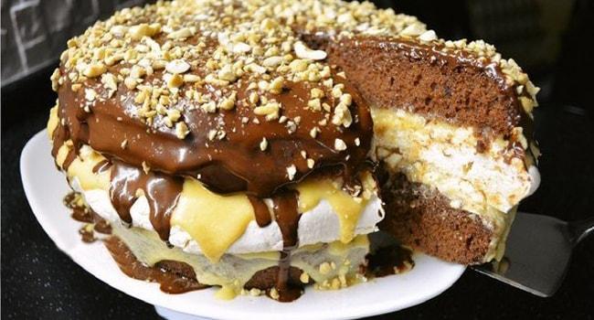 Сникерс торт с безе