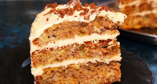 Кусочек торта Колибри приготовленный в мультиварке