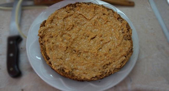 Корж для торта мужской идеал смазываем кремом