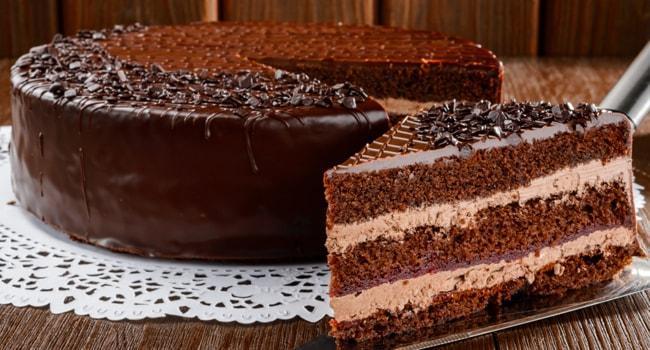 Классический торт Прага приготовленный по ГОСТу