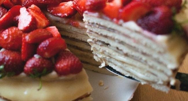Так выглядит творожный торт приготовленный на сковроде