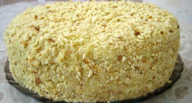 Украшаем торт Минутка крошками измильчоного коржа