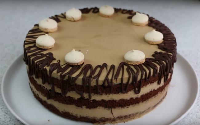 Очень вкусный кофейно-шоколадный бисквитный торт со сметанным кремом