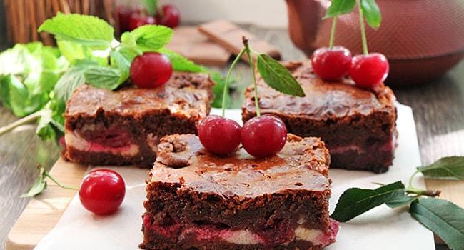 Шоколадный Брауни с вишней рецепт с фото