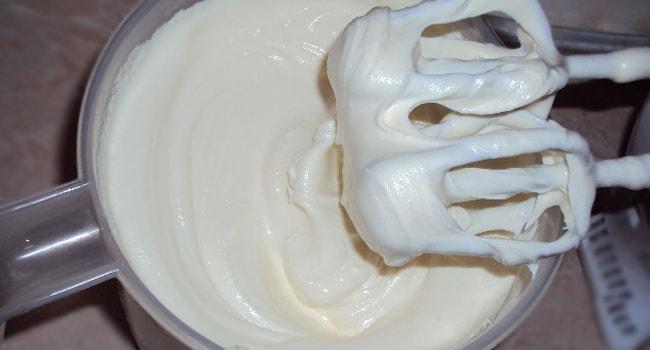 Крем для торта из сливок и сгущенки