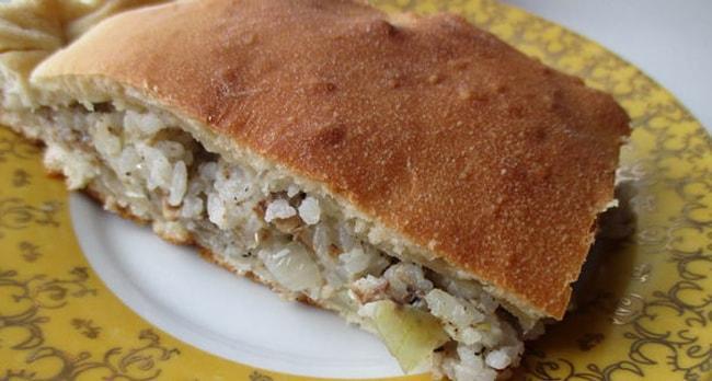 Рыбный пирог на кефире с рисом
