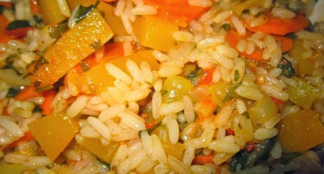 Диетический рецепт тушеной тыквы с овощами и рисом