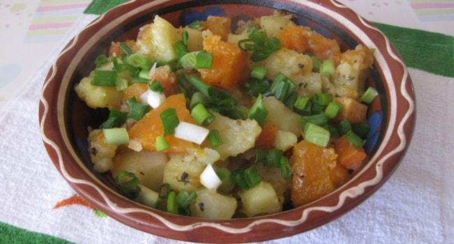Аппетитная тыква тушеная с картошкой и морковкой