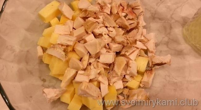Как приготовить дома салат с копченой курицей и ананасами
