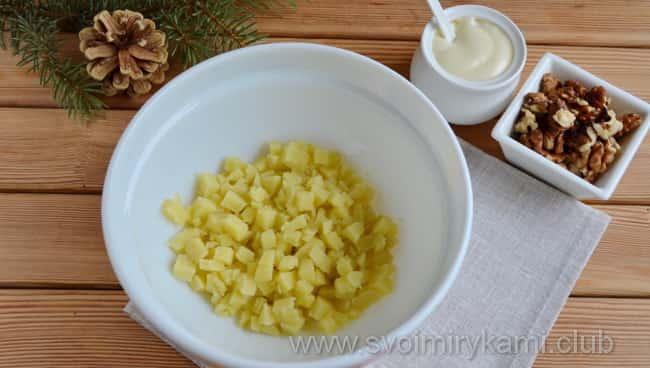 Первый слой картофель в салате красная шапочка