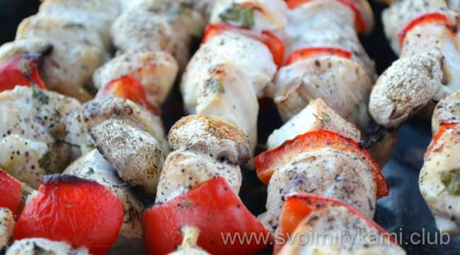 Куриные шашлычки на шпажках в духовке жарим на сковородке