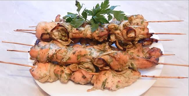 Пошаговый рецепт приготовления куриных шашлычков на шпажках в духовке