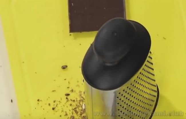 Шоколадный маффин в микроволновке готовится очень просто и быстро.