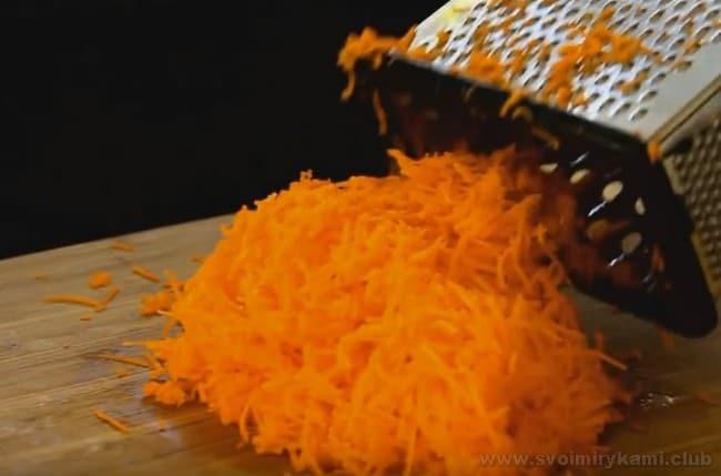 Маффины с морковью радуют ярким насыщенным цветом.