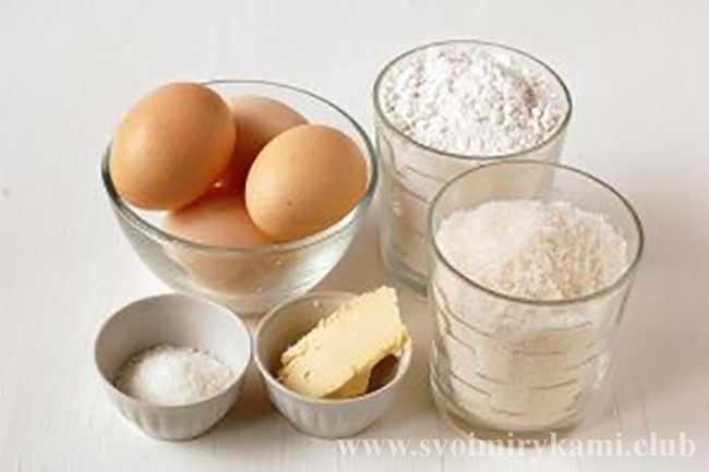 Подготавливаем ингредиенты для бисквита для торта