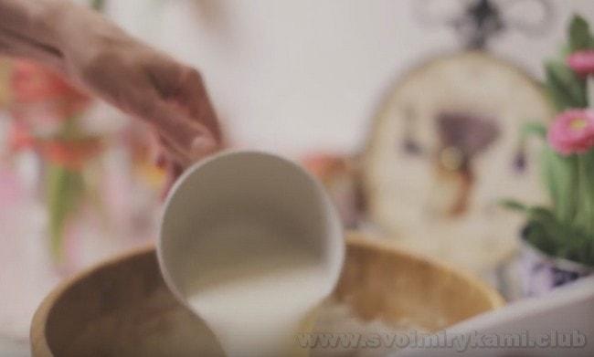Очень вкусными получаются блины из ржаной муки на молоке.