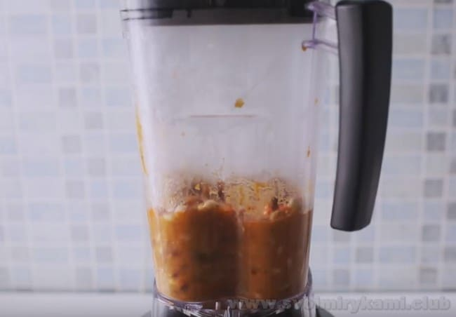 паштет из консервированной фасоли готовится невероятно быстро.