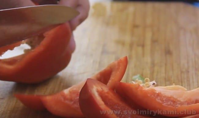 Холодный суп гаспачо наверняка понравится любителям окрошки и других подобных блюд.