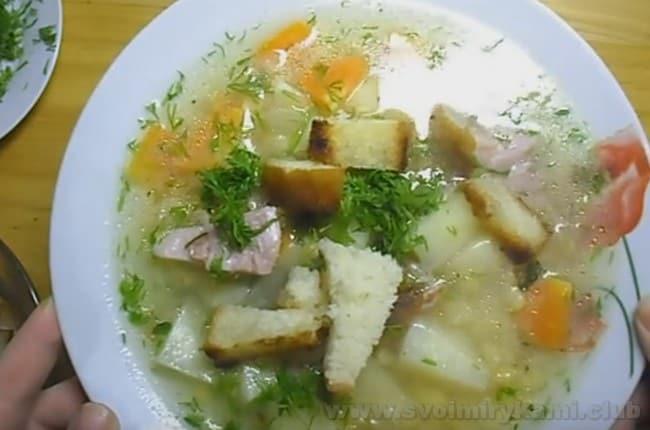 Вот мы и узнали, как приготовить гороховый суп с курицей по классическому рецепту.