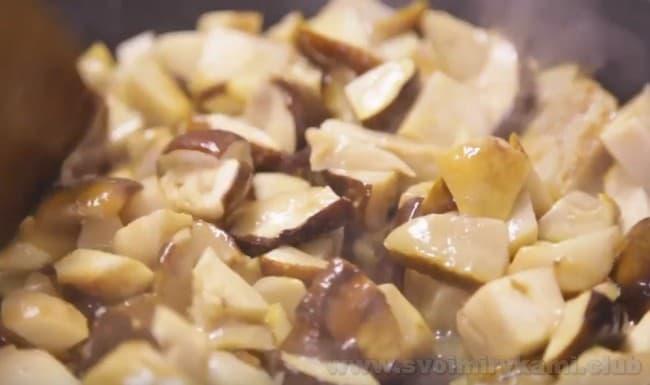 Грибной паштет готовится очень быстро.