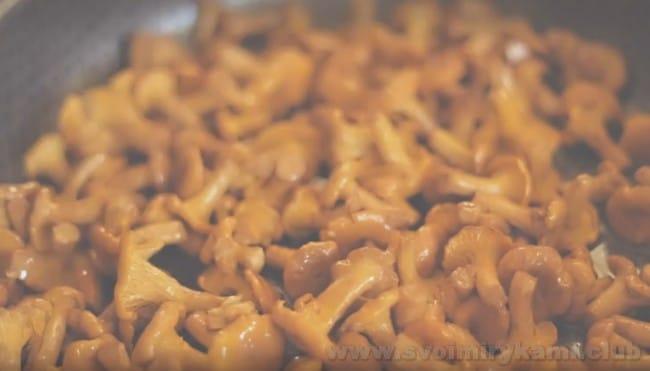 Узнайте, как приготовить грибной крем-суп.