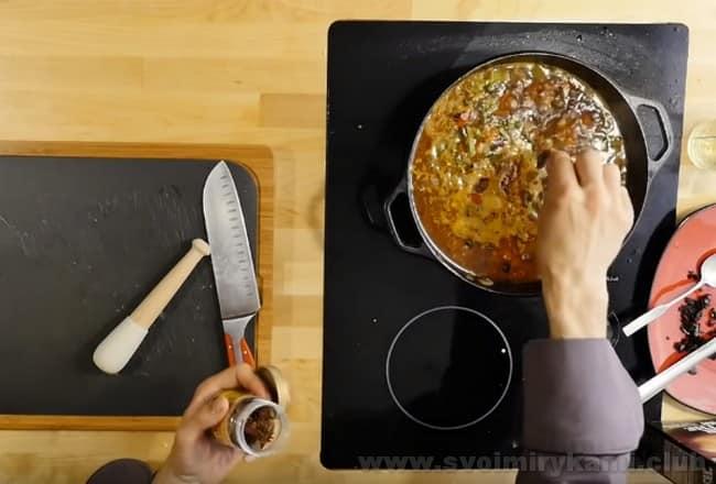 По рецепту в лагман из баранины обязательно надо добавить анис.
