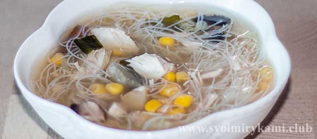 Мисо суп с рисовой лапшой готов