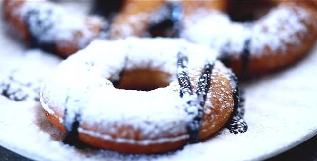 Пошаговый рецепт пышных пончиков на сгущенке